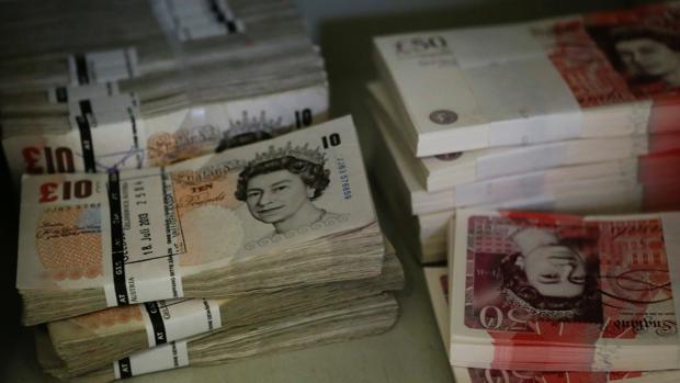 La libra se hunde ante la incertidumbre por el Brexit