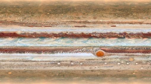 Proyección cilíndrica de la atmósfera de Júpiter, con la Gran Mancha Roja a la derecha