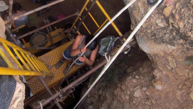 Excavación en la Sima de las Palomas