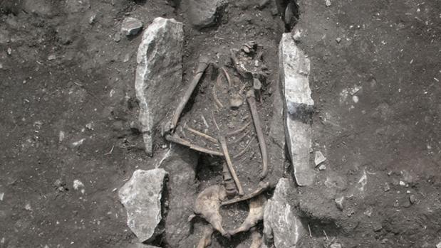 El esqueleto humano encontrado en el altar a Zeus en el monte Liceo