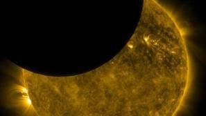 La NASA capta un eclipse solar doble desde el espacio