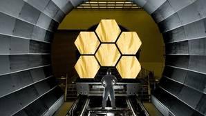 Proceso de montaje del telescopio espacial James Webb