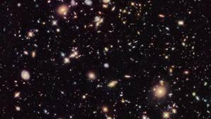 ¿Se expande el Universo a un ritmo acelerado?