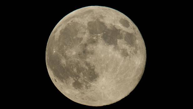 Una superluna captada en el año 2014 en Washington (Estados Unidos)