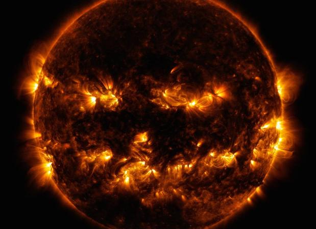 Tormenta Solar - Página 28 Halloween_sun_2014_2k-kILE-U201213501904ZXC-620x450@abc