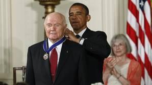 Obama y Trump se unen en el tributo al «héroe» John Glenn