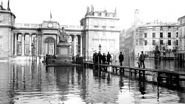 El Palais Bourbon, trescientos años del edificio que sufrió el primer atentado terrorista «moderno»