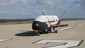 Foto de archivo del avión espacial X-37 B
