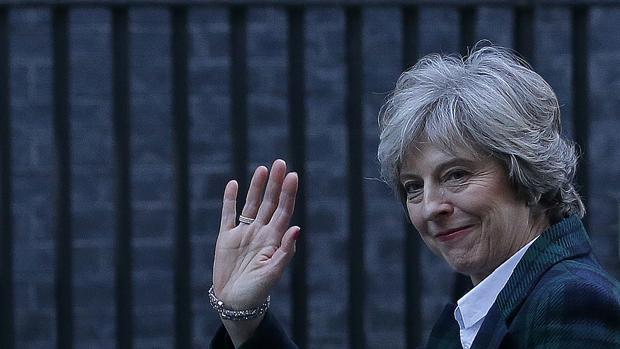 Hemeroteca: May amenaza a la UE con una guerra comercial si castiga al Reino Unido | Autor del artículo: Finanzas.com