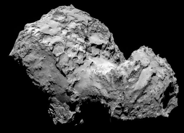 Imagen del cometa 67P tomada por la cámara Osiris, a bordo de la misión Rosetta