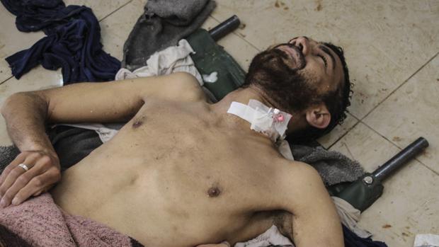 Hablan los supervivientes del ataque químico en Siria: «Salí a la calle a pedir ayuda pero todo el mundo yacía en el suelo»