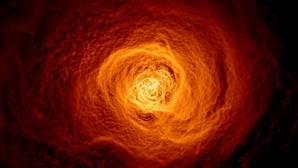 Una ola gigante dos veces la Vía Láctea cruza Perseo