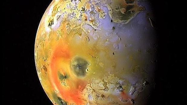 Resultado de imagen de Imágenes de Io y sus géiseres