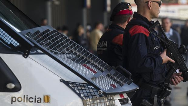 Hemeroteca: Unos adolescentes prenden fuego a un chico de 17 años en Torredembarra | Autor del artículo: Finanzas.com
