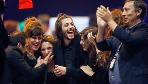 Así es Salvador Sobral, el cantante que ha llevado a Portugal a la victoria en Eurovisión por primera vez