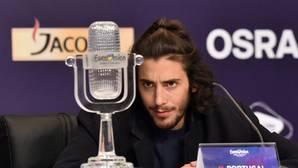 El presidente de Portugal felicita a Salvador Sobral por su victoria en Eurovisión 2017