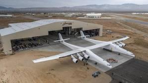 El avión fabricado por Stratolaunch