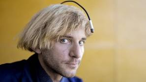 Neil Harbisson considera que su antena es un órgano