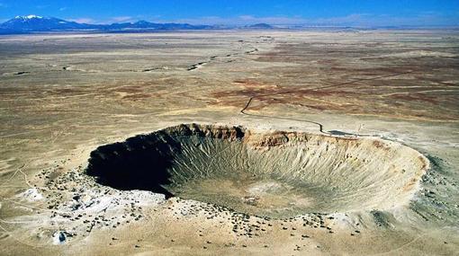 Cráter Barringer, en Arizona, Estados Unidos, con casi 1.200 metros de diámetro y provocado por un meteorito de unos 30 metros