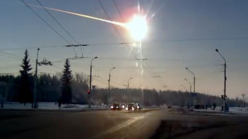 Bólido de Chelyabinsk, provocado por un asteroide mayor que un autobús (con unos 17 metros de largo)