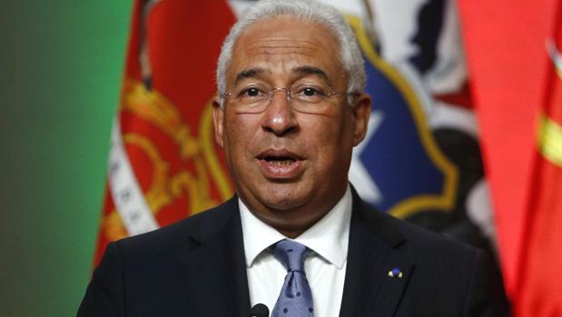 Las vacaciones más inoportunas del primer ministro socialista portugués