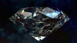 Un diamante es un cristal de átomos de carbono