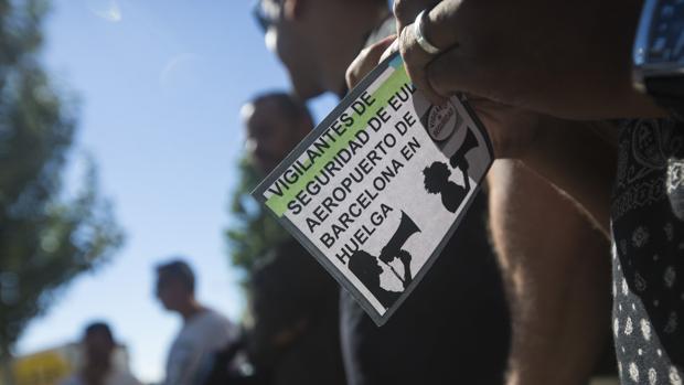 De la Serna tilda de «esperpéntica» la reunión de los huelguistas del aeropuerto de El Prat