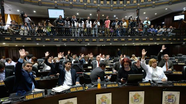 Los diputados venezolanos llevan un año sin cobrar