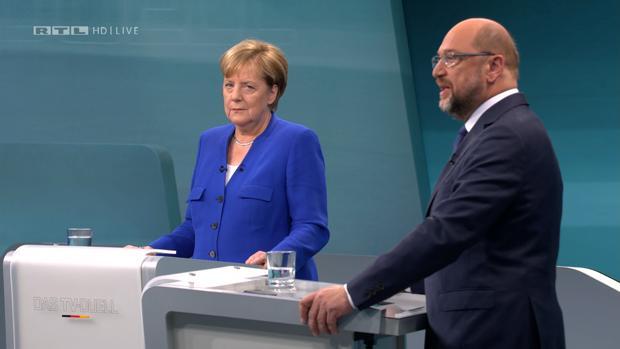 Merkel y Schulz evitan la agresividad en su único debate