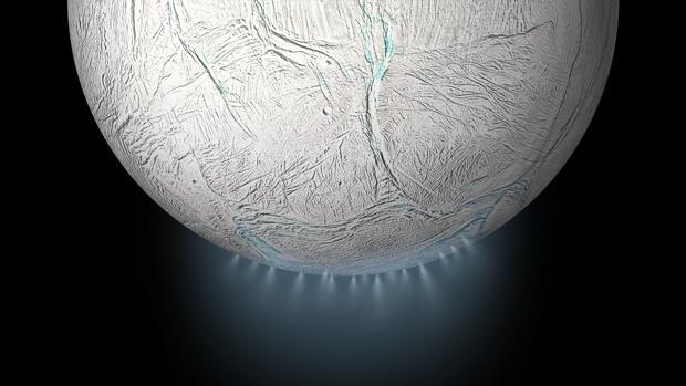 Decenas de géiseres salen de las fisuras en el polo sur de Encélado