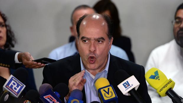 Borges alerta de la «catástrofe social» en Venezuela por la hiperinflación