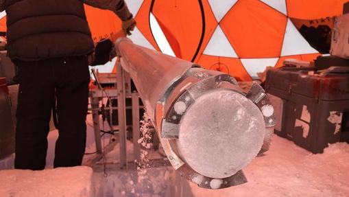 Perforación de núcleos de hielo en la Antártida