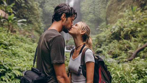 La dopamina y la oxitocina se liberan con los besos e influyen en el enamoramiento