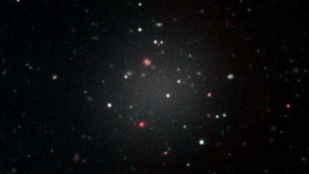Imagen de la galaxia NGC 1052-DF 2
