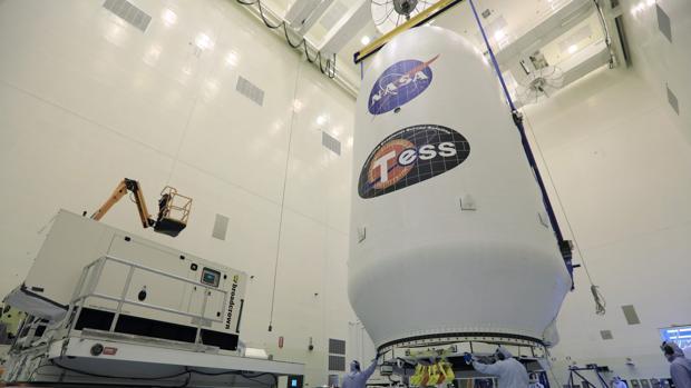Resultado de imagen para La NASA lanzo TESS, un satélite que buscará vida en 20.000 exoplanetas