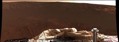 Primera panorámica en color captada por Opportunity, poco después de su aterrizaje, en 2004