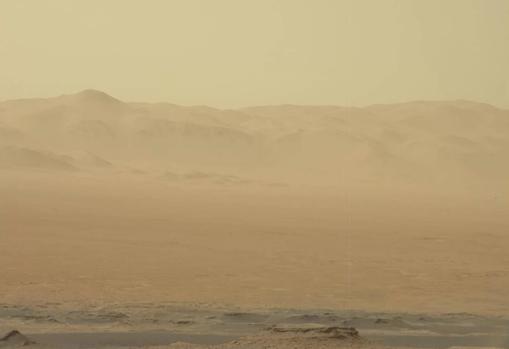 Fotografía tomada por Curiosity el pasado 2 de junio. Se aprecia la turbidez de la atmósfera