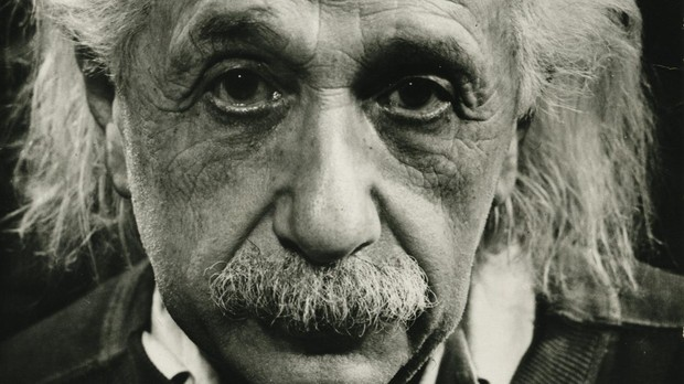 Imagen de Albert Einstein captada en los cincuenta
