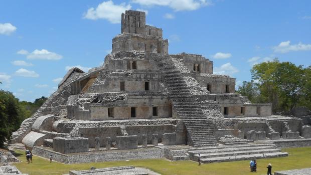 Pirámide de los cinco pisos, de 31 metros de altura, en la Gran Plaza