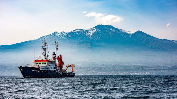 Una ladera del Etna podría colapsarse en el mar