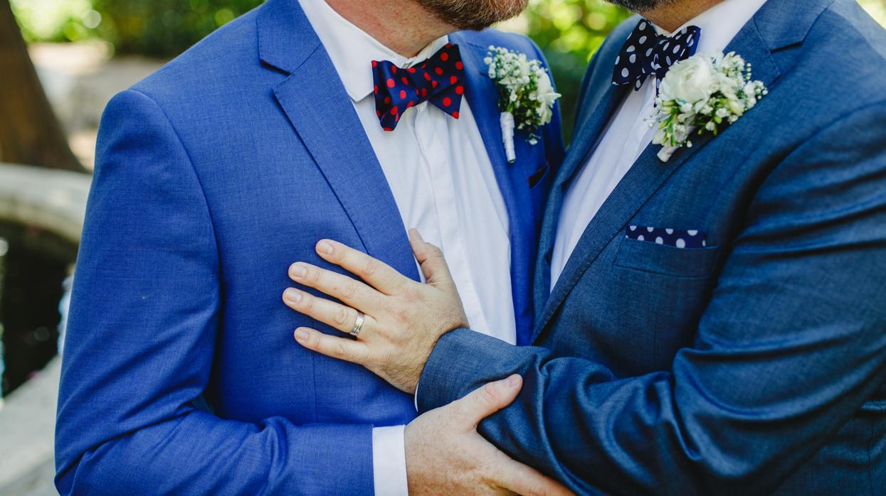Encuentran cuatro zonas del ADN vinculadas con la homosexualidad