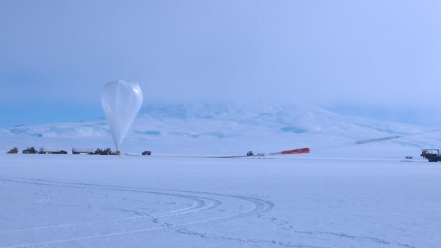 Operaciones científicas con la Antarctic Impulsive Transient Antenna (ANITA), en la Antártida