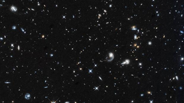 La primera imagen capturada por el Hubble después de regresar del «modo seguro» muestra un campo de galaxias en la constelación de Pegaso