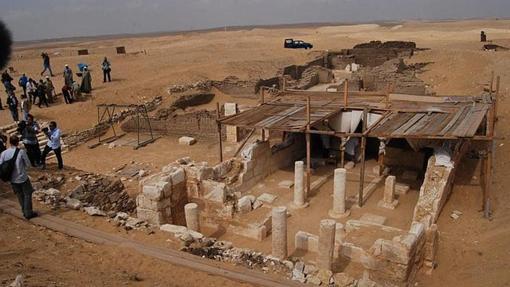 Vista general de las tumbas de Paser (delante) y Ptahmes (detrás)