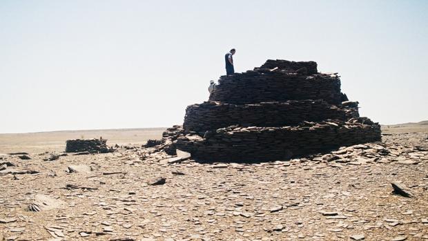 Descubren en el Sáhara cientos de misteriosas estructuras de piedra de hace miles de años