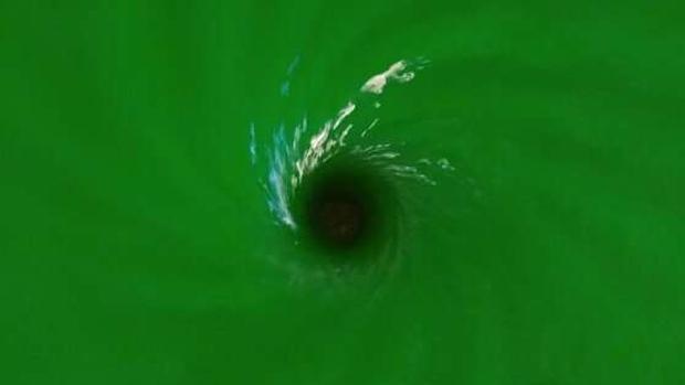 El experimento reproduce los patrones de oscilación de las ondas gravitacionales tras el choque de dos agujeros negros