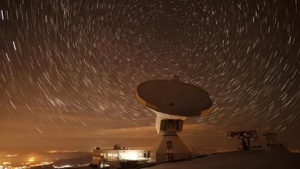 Radiotelescopio IRAM30m y el Observatorio de Pico Veleta que ha participado en el proyecto de la primera foto de un agujero negro