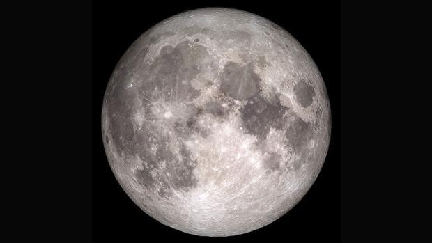 El agua lunar está congelada en forma de hielo puro