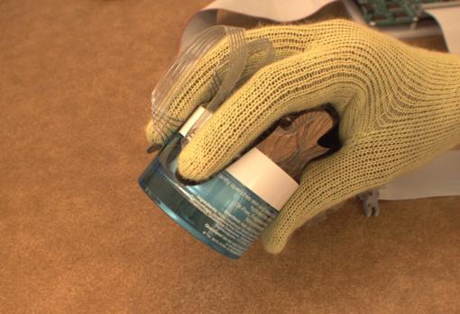 Diseñan un guante capaz de sentir por medio del tacto