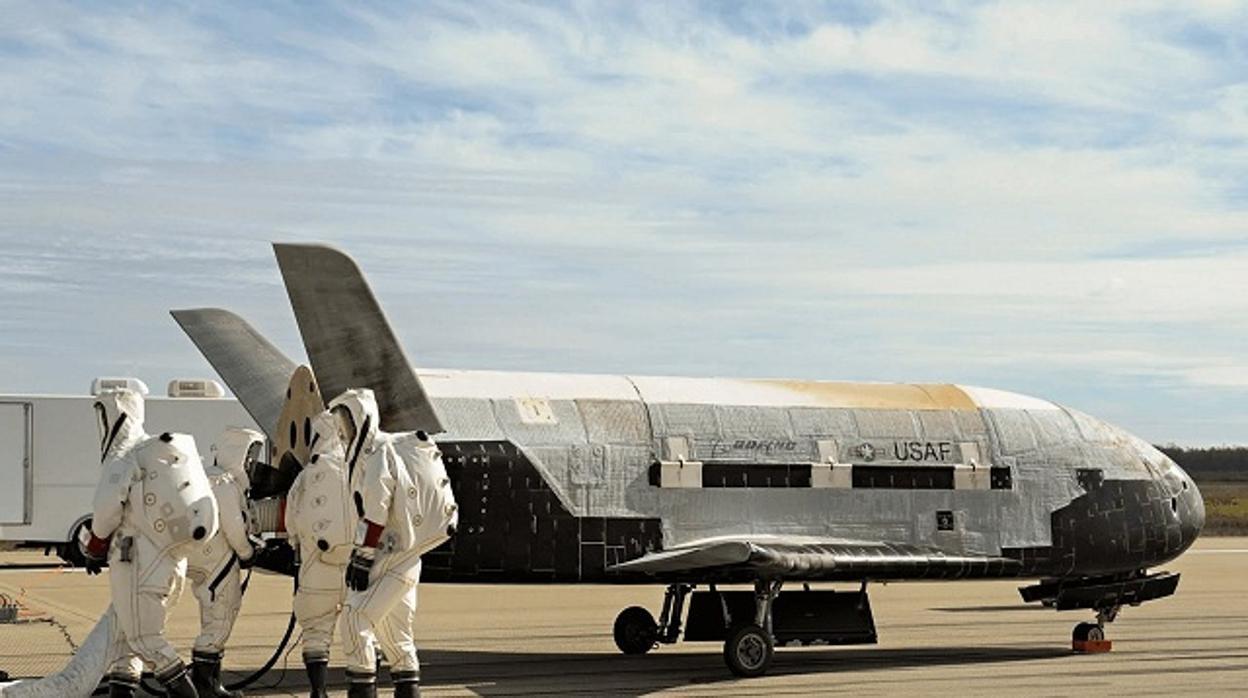 Resultado de imagen para avión solar X-37B
